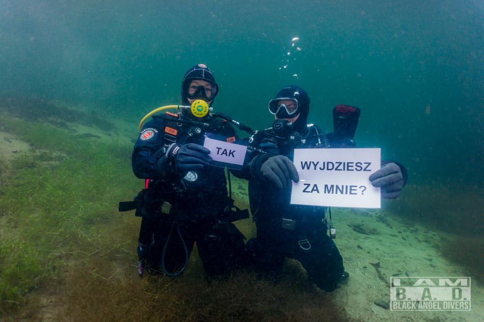 Oświadczyny pod wodą