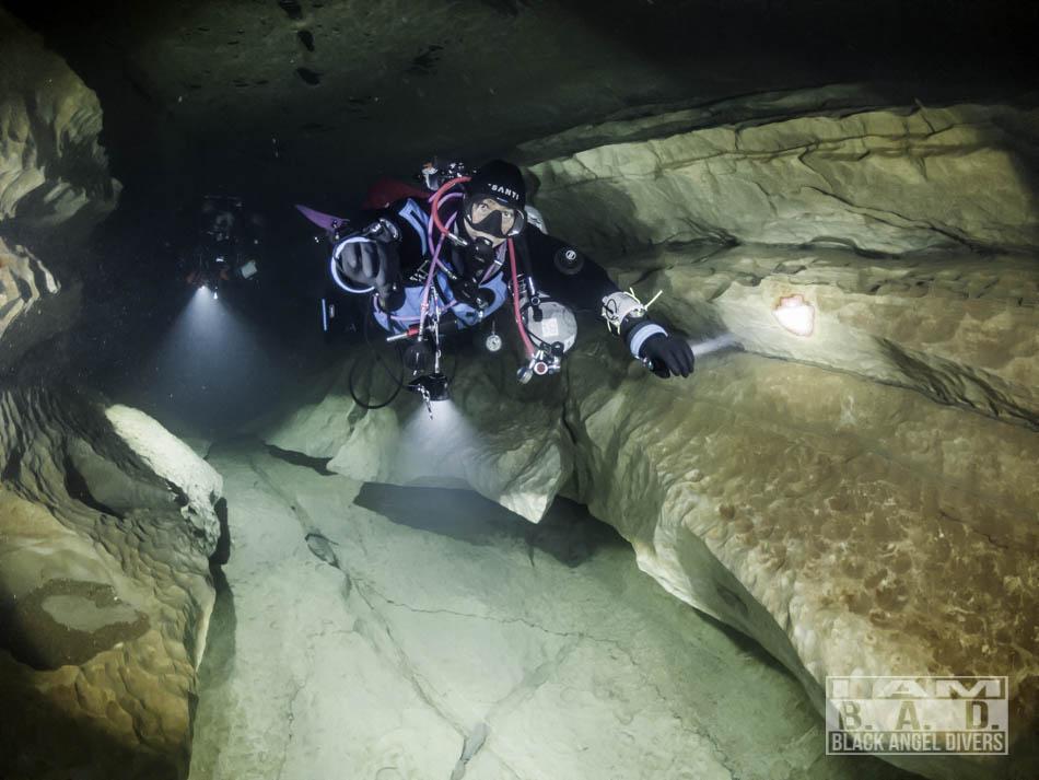 Nurkowanie jaskiniowe - latarki SeaYa
