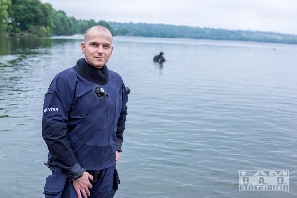 Suchy skafander Avatar przed nurkowaniem