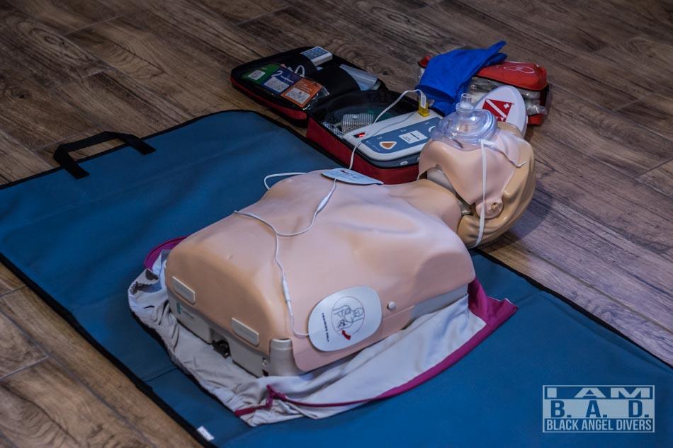 Automatyczny defibrylator zewnętrzny AED